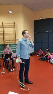 Pierre joue du tuyauphone... et du trombone !